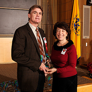 Warren Casey, Ph.D. received his NIH Merit Award from NIEHS/NTP Director Linda Birnbaum, Ph.D.