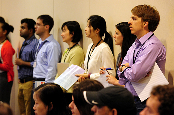 Students and trainess that attended listen to the seminar