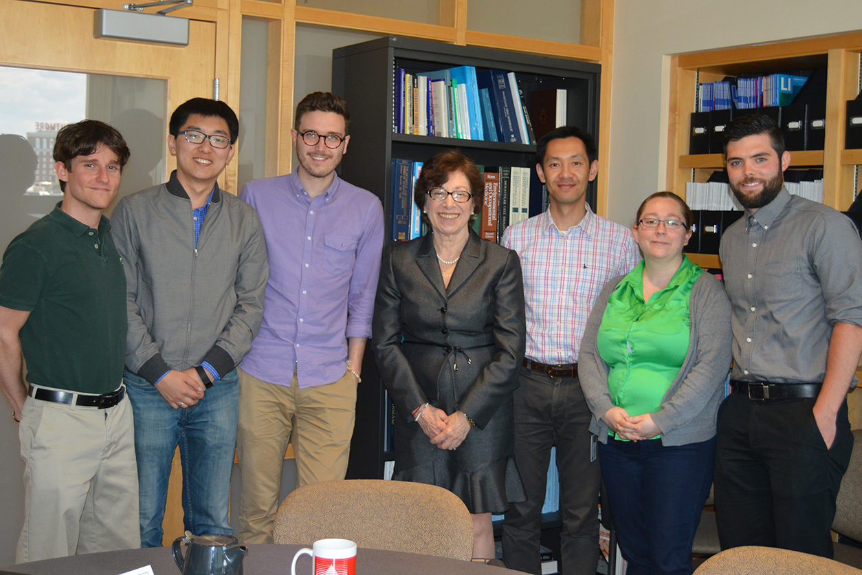Linda Birnbaum with Brown SRP Graduate students